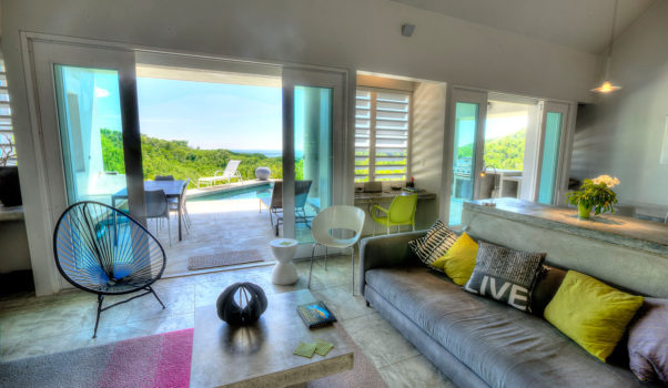 Casa Angular dining room view of the Caribbean